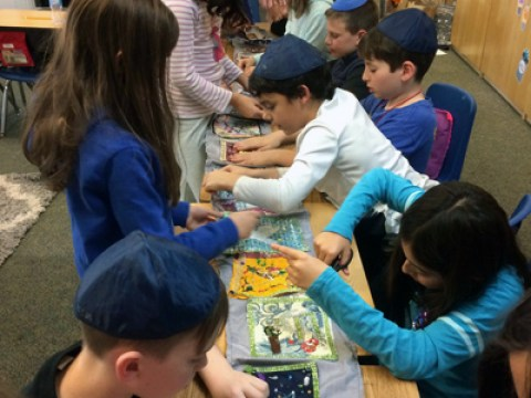 CCJDS fourth-graders use recycled materials to make Jewish wearables in CJM design challenge (Courtesy/Rebecca Murray-CCJDS)