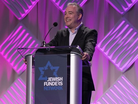 Jewish Funders Network president Andrés Spokoiny gives the plenary address at the JFN Conference in San Francisco, March 18, 2019. (Photo/Stuart Locklear Photography)