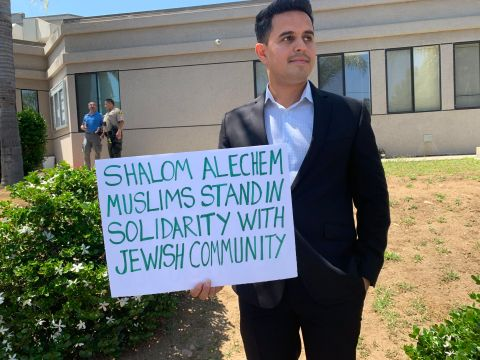 A Muslim attendee of the Shabbat event at the Chabad of Poway (Photo/JTA-Gabrielle Birkner)