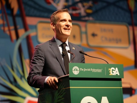 Los Angeles Mayor Eric Garcetti at the Jewish Federations of North America General Assembly in L.A. (JTA)