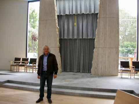 Architect Stan Field in Kol Emeth's new sanctuary. (Photo/Andrew Esensten)