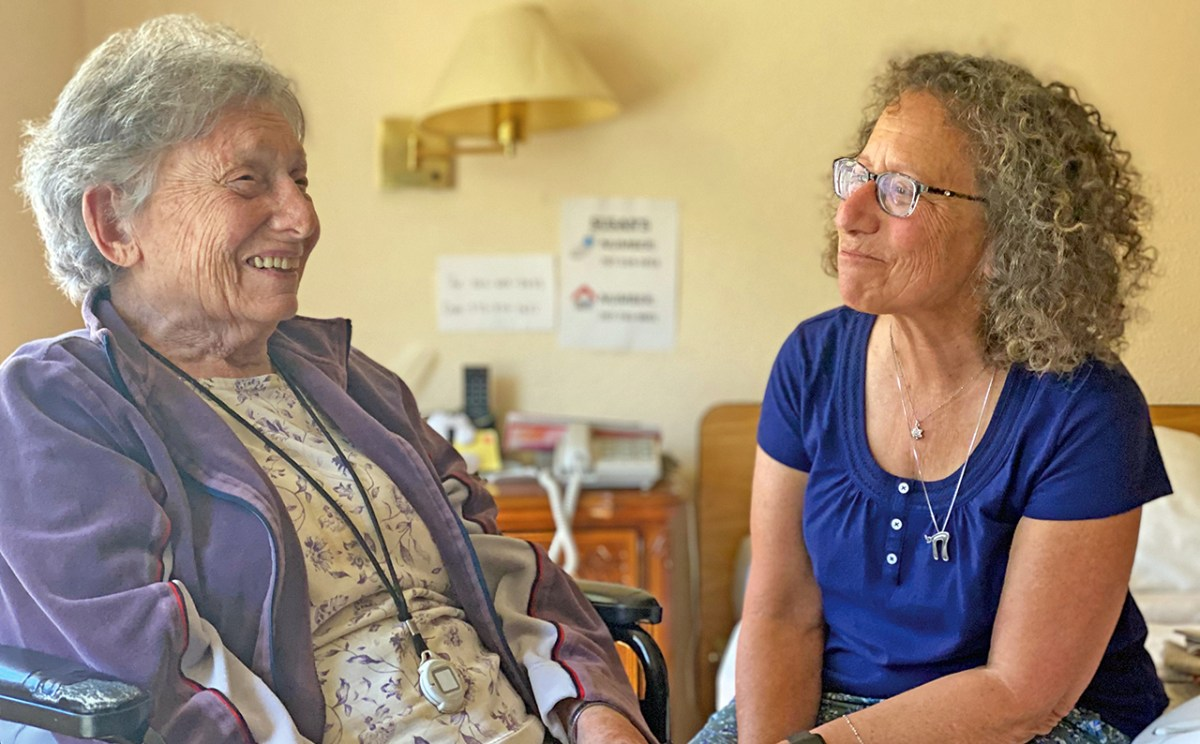 Susan Cohen Grossman and her 100-year-old mother, Abby, at the Reutlinger Community in Danville. (Photo/Gabriel Greschler)