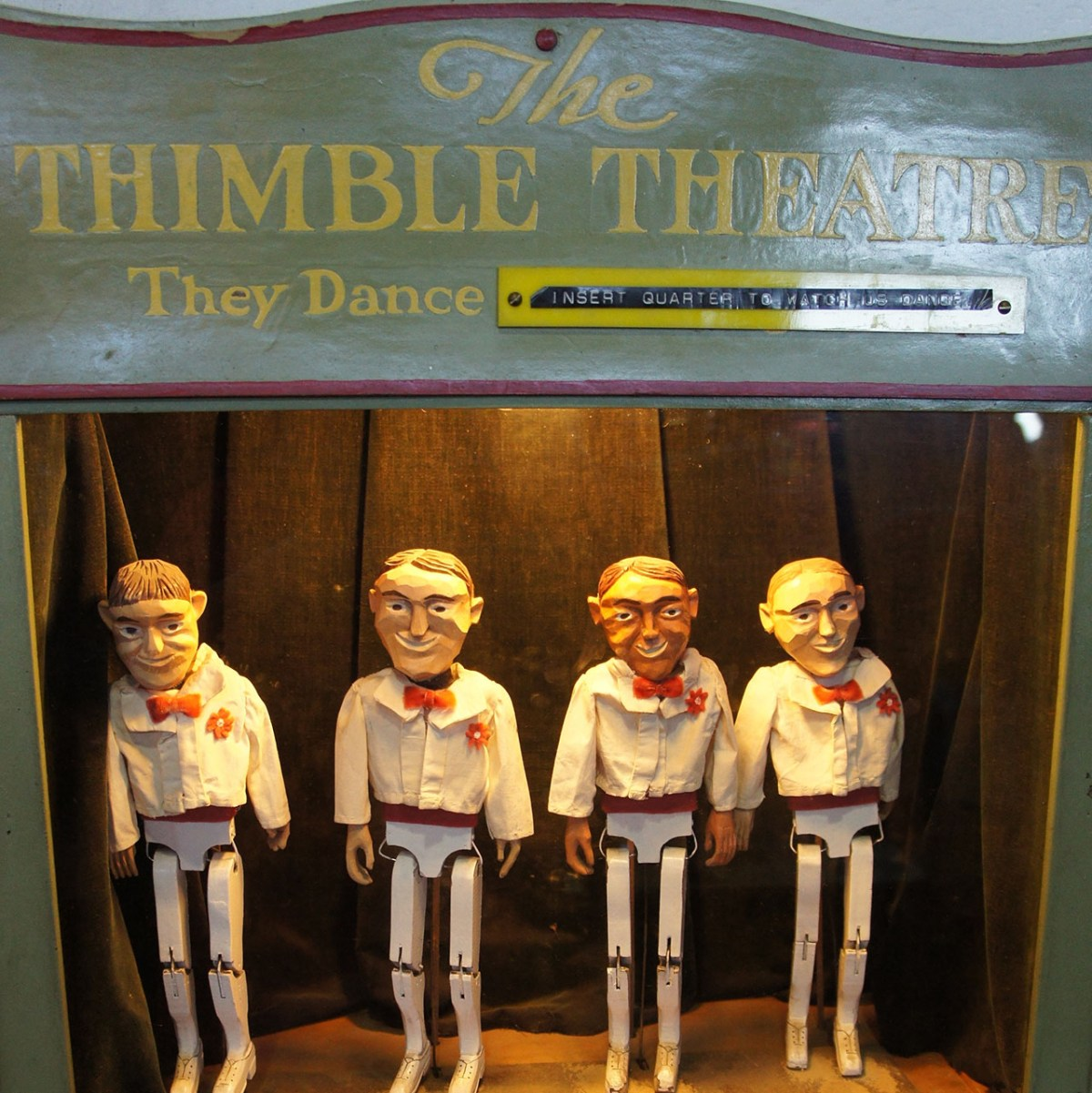 Nimble wooden dancers show off their steps on the Thimble Theatre's small stage at Musée Mécanique. (Photo/Patricia Corrigan)