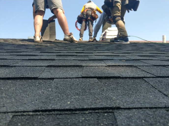 Roofing installation by JWE in York County Pennsylvania with GAF architectural ashpalt shingles