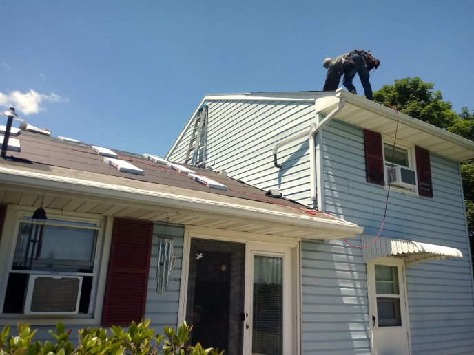 Littlestown PA Roof Replacement Contractor Installing Brand New GAF Lifetime Asphalt Shingle Roof System