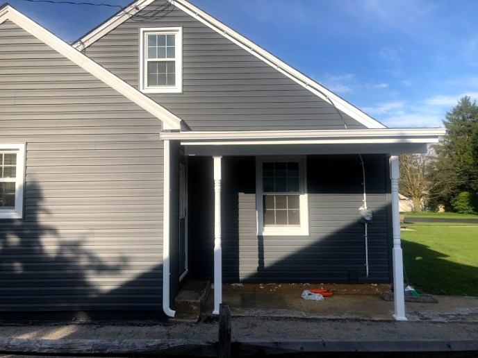 Siding contractor in Hanover PA 17331 JWE Remodeing and Roofing: exterior remodel
