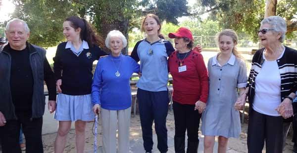 Emmy-Monash-400photos-from-Walk-in-St-Kilda-Botanical-Gardens-Yr-9pic-2