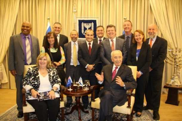 Parliamentarians meet President Shimon Peres (seated right)