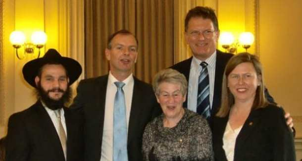 Rabbi Reuvi. David Southwick, Nina Bassat, Premier Dennis Naphthine