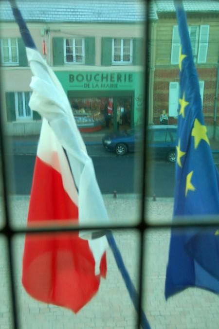 Boucherie de la Mairie aux drapeaux à Bessancourt