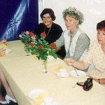 """ylhän sukuseuran perustajajäsen, \""""Perhonen\"""" Marja-Leena Hakkarainen (Jylhä) merkkipäivän vietossa ystävineen 1995."""
