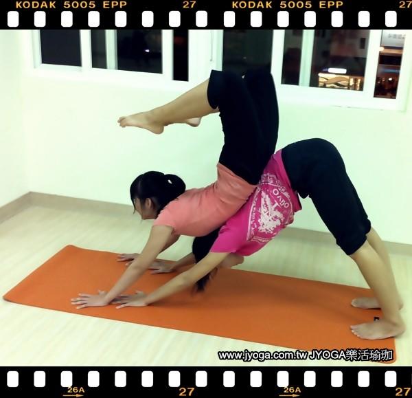 圖片搜尋: 瑜珈動作