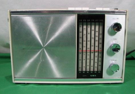 Aiwa AR-158 radio
