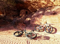 Travelling among ruins and canyons via bike was otherworldly