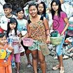 Jual Gorengan, Kerahkan Anak Yatim Cari Rongsokan