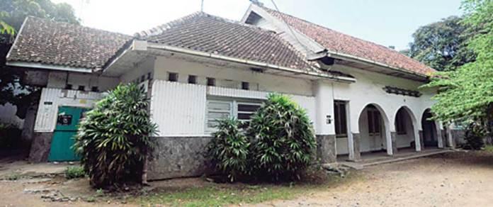 Bangunan-pengadilan-pertama-di-Banyuwangi-masih-berdiri-kokoh-di-Jalan-Jaksa-Agung-Suprapto,-tepatnya-di-barat-Stadion-Diponegoro,-Banyuwangi.