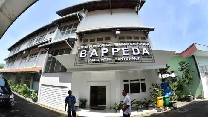 Kantor-Bappeda-ini-akan-dilakukan-penambahan-luas-kantor-Bappeda-ke-arah-utara.