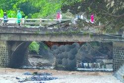 Diduga Jadi Penyebab Banjir, Pemkab Akan Desain Ulang Konstruksi Jembatan