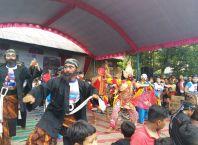 Pentas seni tradisional Desa Plunturan