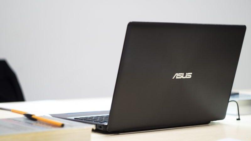 10 Laptop i7 Murah & Berkualitas di 2020, Spek Tinggi!