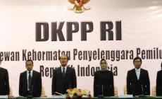 Permalink ke Tim Hukum Prabowo-Hatta Optimis DKPP Pecat Salah Satu Komisioner KPU