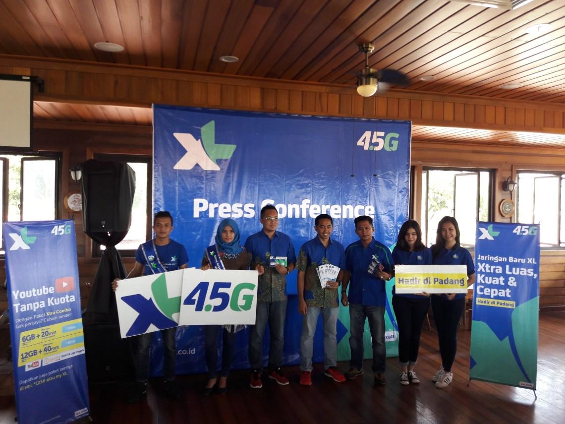 Konferensi Pers Peluncuran Jaringan XL 4G LTE di Sumatera Barat. Foto : Ikhwan