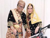Oesman Sapta Odang dapat hadia dari Presiden RI Joko Widodo saat peringatan HUT RI ke-72 (photoHumas Pemberitaan DPD RI)