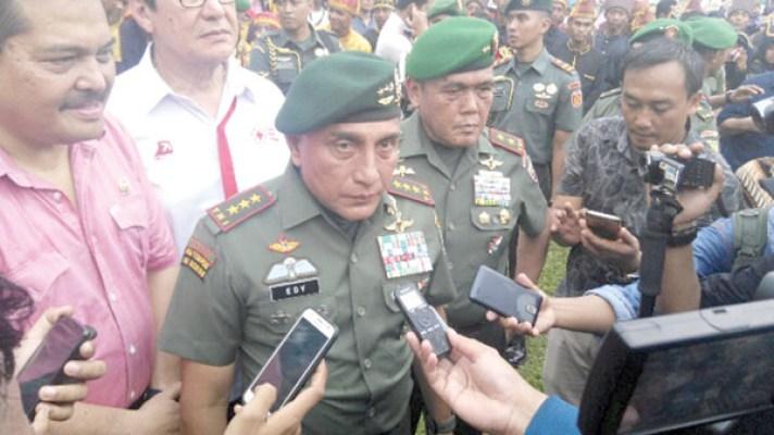 Pangkostrad, Letjen TNI Edy Rahmayadi.