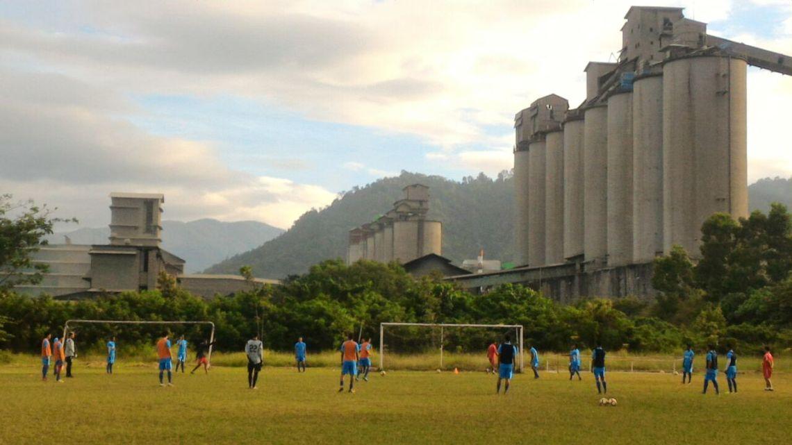 Sesi Latihan tim Semen Padang FC di Lapangan PT Semen Padang, Padang, Jumat