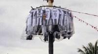 unik lomba panjat pinang, satu kelurahan perebutkan jersey Juventus memperingati hari kemerdekaan ke 72 2017. (photo by @sy ridwan)