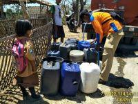Pendistribusian air bersih ke permukiman penduduk terdampak kemarau yang melanda Pulau Jawa dan Nusa Tenggara