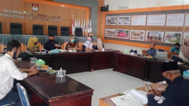 Rapat Pleno KPU Sumbar penetapan Paslon Gubernur dan Wakil Gubernur Sumbar 2020. Foto : Istimewa