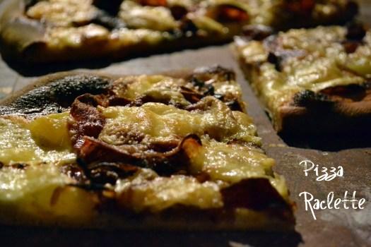 portion de la pizza raclette à la crème fraîche et fromage raclette