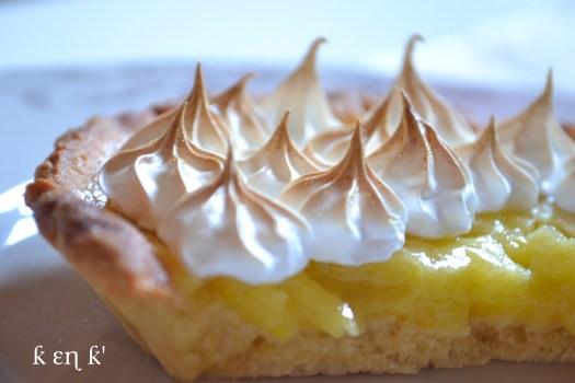 Recette-dessert-tarte au citron meringuée avec un lemond curd et une meringue italienne