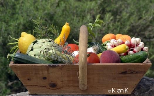 theme 24 nourriture dans une veandangeuse en bois