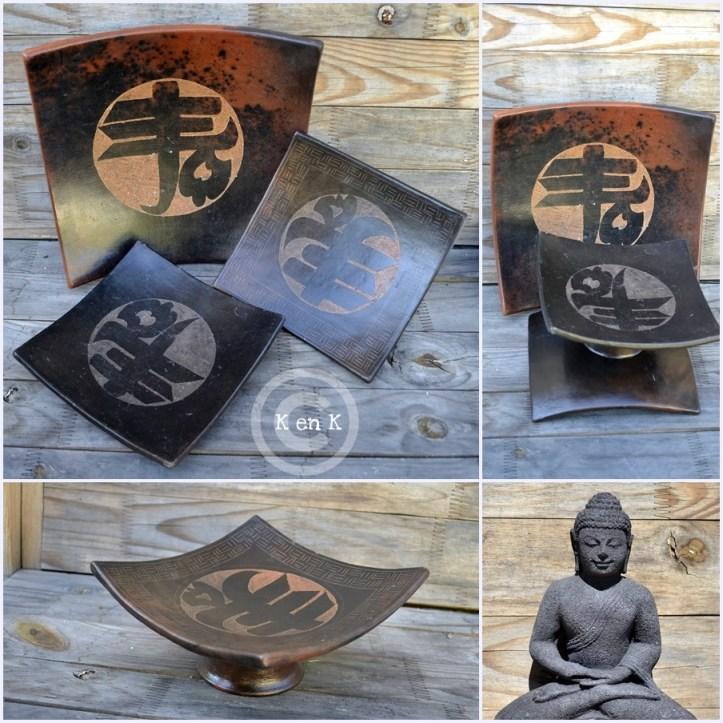 Décoration-assiette, plat avec inscription chinoise et statue de bouddha