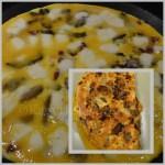Recette de l'Omelette aux champignons, chorizo et mozzarella pour un repas du soir avec une salade verte