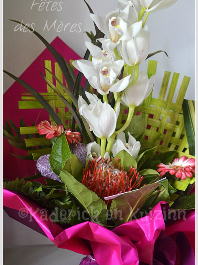Bouquet de fêtes des mères avec une orchidée blanche offert par mon fils et sa copine