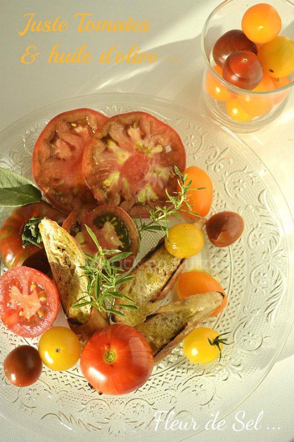 Partenariat huile - salade de tomates anciennes bio & huile olive Terre de Crète avec des croûtons et de la sarriette