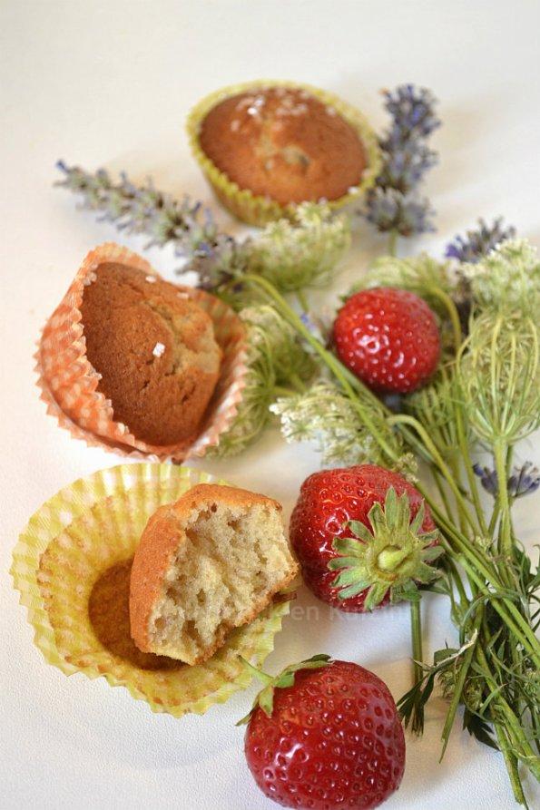 Dégustation mini gateaux façon muffins aux fraises bio pour un goûter