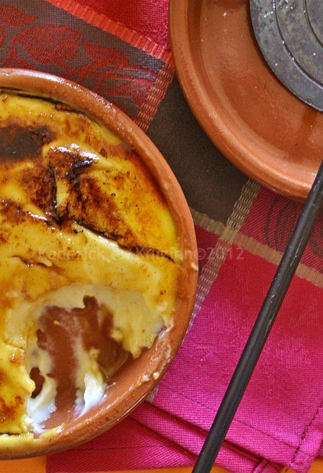 Dégustation crème catalane caramélisée au fer pour un dessert gourmand sur Kaderick en Kuizinn©