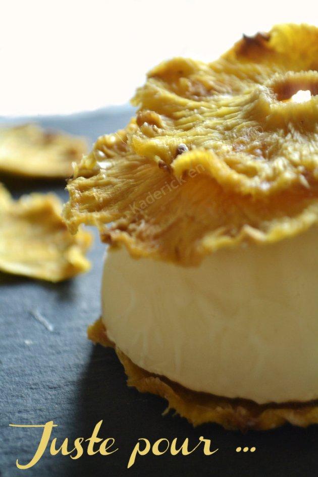 Dessert mille-feuille de chips d'ananas bio et glace rhum coco un dessert des éditions solar sur Kaderick en Kuizinn©
