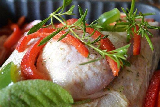 Recette du dimanche poulet poivrons, tomates bio et herbes de Provence pour un repas du dimanche sur Kaderick en Kuizinn©