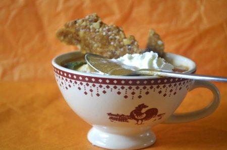 Recette soupe de pêche jaune bio et nougatine maison pour un dessert frais et léger