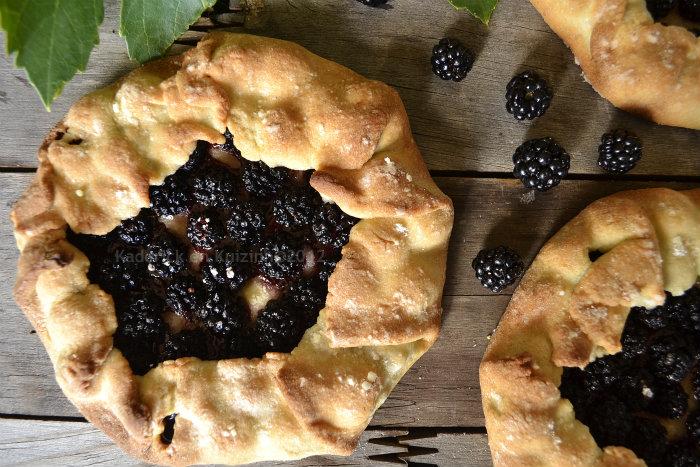Recette tarte rustique aux mûres sauvages avec une pâte sucrée maison un dessert simplement gourmand - Kaderick en Kuizinn©