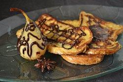 Recette poire épicée à la badiane, au chocolat cannelle Zaabär servie avec du pain perdu  - Menu Paques