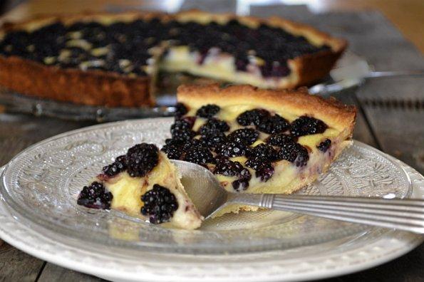 Recette de la tarte flan pâtissier à la mûre sauvage avec une pâte brisée - Kaderick en Kuizinn©