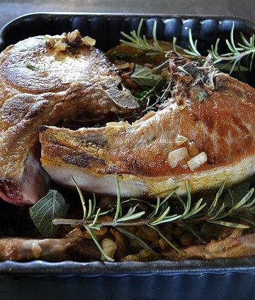 Recette du carré de porc aux herbes et sauce au vin blanc pour un rôti plus savoureux et plus moelleux - Kaderick en Kuizinn©2012