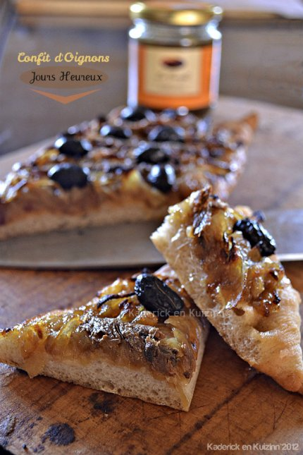 Recette top de la pissaladière au confit d'oignons, anchois et olives noires de mon partenaire Jours Heureux - Kaderick en Kuizinn©