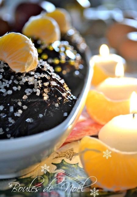 Buche de Noël individuelle avec une génoise recouverte au chocolat et clémentines curd faites dans des demi-sphères - Kaderick en Kuizinn©2012
